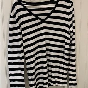 Gap striped long sleeve v neck Tee